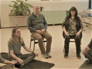 mindfulnes_based_stress_reduction_sitting_meditation